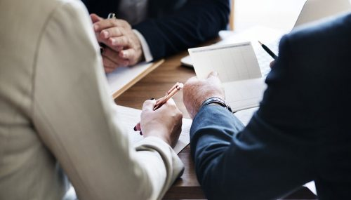 How to Become an Investment Banking Associate